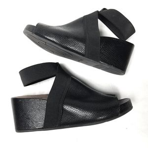 Gentle Souls Gianna By Kenneth Cole Wedge
